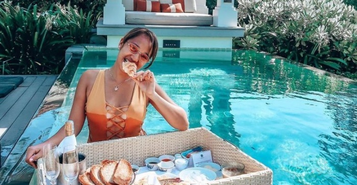 Giấc mơ ăn uống, nghỉ dưỡng thường mang đến những điều tốt lành và may mắn cho chủ nhân