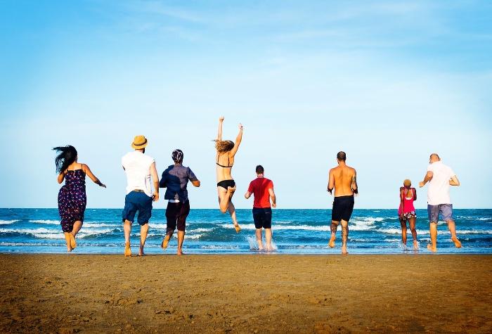 Mơ thấy mình đi biển cùng mọi người trong gia đình cược con 44 - 98