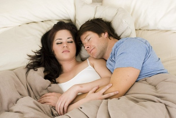 Mộng thấy mình đang ngủ trong khách sạn cùng người yêu đánh con 44 - 90